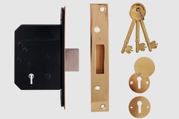 Deadlock Installation by Putney master locksmith